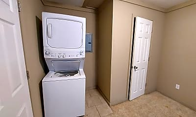 Bathroom, 507 Grover St, 1