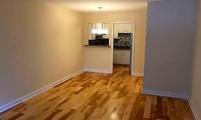 Living Room, 561 W Stratford Pl #2A, 1