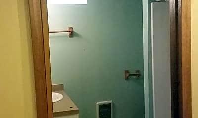 Bathroom, 6633 N Vancouver Ave, 2