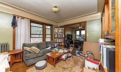 Living Room, 1513 West Winnemac 3W, 2