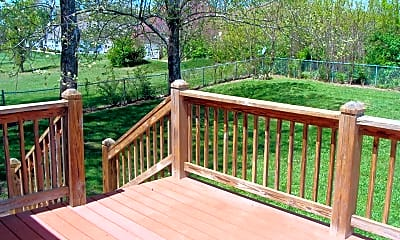 Patio / Deck, 807 Wakefield Dr, 2