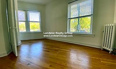 Living Room, 3856 N Clark St, 1