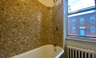 Bathroom, 1001 Wolf St, 2