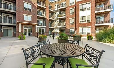Courtyard, Parmenter Circle II, 2
