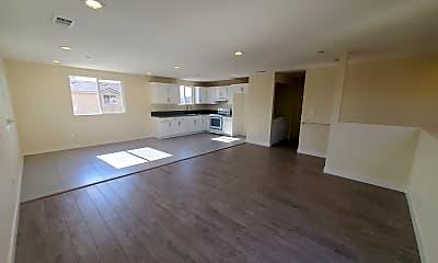 Living Room, 6104 1/2 Brynhurst Ave, 1