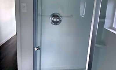 Bathroom, 2705 Akard Ave, 2