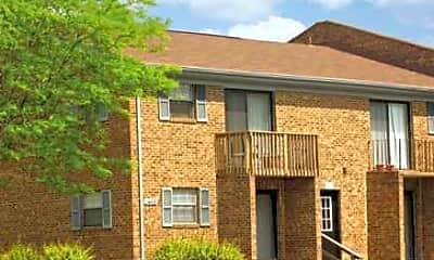River Oaks Apartments, 0
