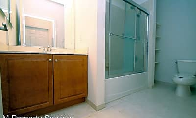 Bathroom, 200 W Elm St, 2