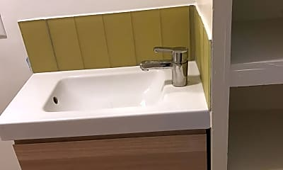 Bathroom, 133 Elmwood Ave, 2