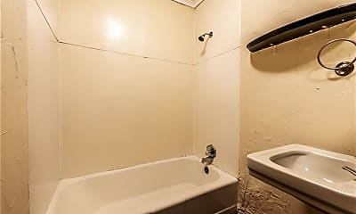 Bathroom, 626 W Dickson St B, 2