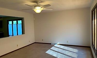 Building, 209 Golf Rd, 1