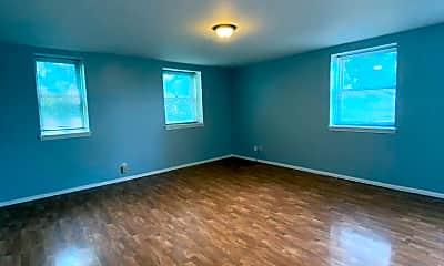 Living Room, 3939 Magnolia Ave, 1