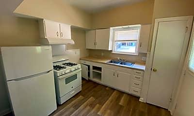 Kitchen, 317 E Reeves St #1, 1