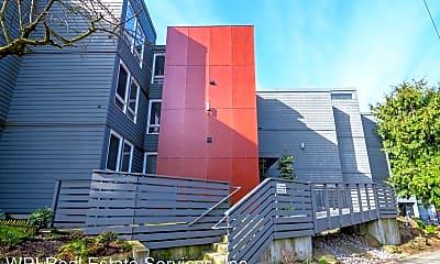 Building, 717 Belmont Ave E, 1