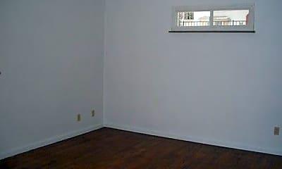 Bedroom, 154 E Hudson Ave, 2