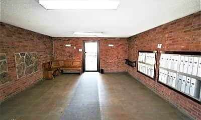 Building, 840 N Washington St, 1