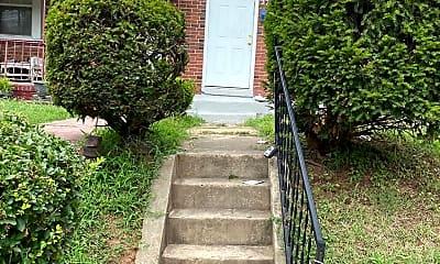 Building, 2714 E Preston St, 1