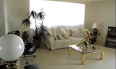 Living Room, 1101 S Arlington Ridge Rd, 1