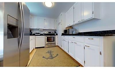 Kitchen, 171 Eaton St, 2