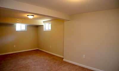 Bedroom, 1118 Elfin Ave, 2