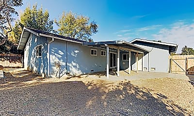 Building, 255 De Soto Dr, 2