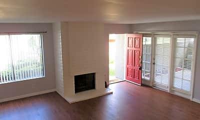 Living Room, 17537 Fairlie Rd, 0