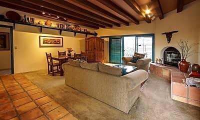 Living Room, 3667 W Placita Del Correcaminos 9, 1