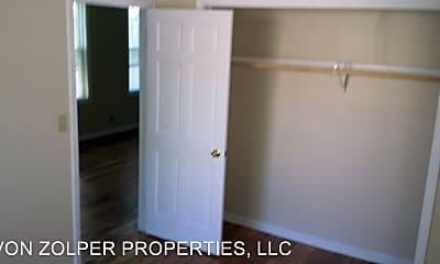 Bedroom, 2509 N Pierce St, 2