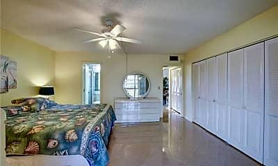 Living Room, 2033 Harwood D 2033, 2