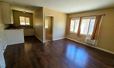 Living Room, 4484 Main St, 0