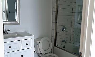 Bathroom, 742 S Harvard Blvd, 2