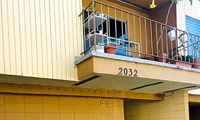 Building, 2032 Delaware St, 2