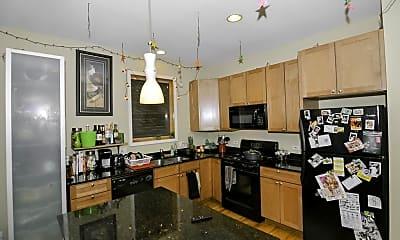 Kitchen, 945 N Leavitt St, 1
