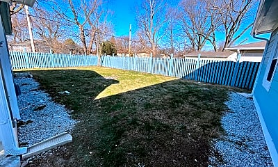 Private Backyard, 4632 Bertrand Road, Unit N/A, 2