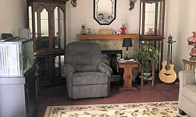 Living Room, 2061 New Holland Pike, 1