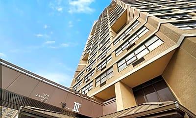 Building, 7004 Boulevard E 8D, 2