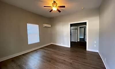 Bedroom, 817 W Matthews Ave, 1