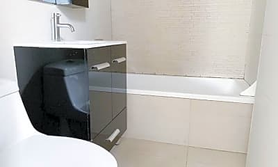 Bathroom, 155 Central Ave, 1