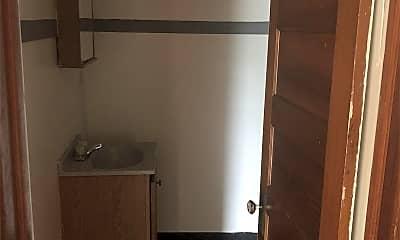 Bathroom, 1372 Merryman St, 2