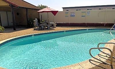 Pool, 565 Moss St #19, 2