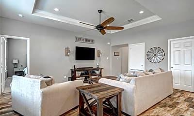 Living Room, 645 Sierra Mar Loop, 1