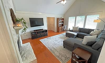 Living Room, 1014 Mooreland Blvd, 1