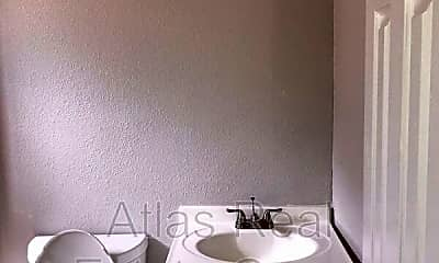 Bathroom, 4425 Elizabeth St, 2