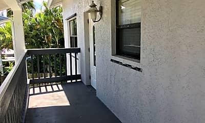 Patio / Deck, 645 Beachcomber Ln, 1