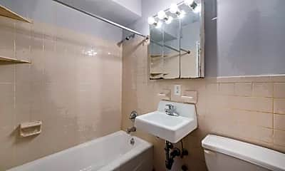 Bathroom, 506 E 6th St, 2