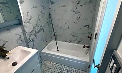 Bathroom, 513 E 5th St, 2