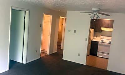 Living Room, 132 Fox Hill Ln, 1