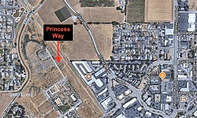 Patio / Deck, 961 Princess Way, 2