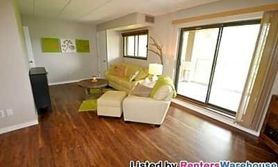 Living Room, 3300 Louisiana Ave, 0