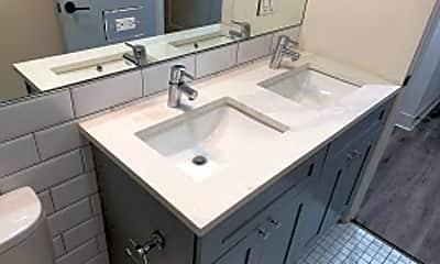 Bathroom, 5827 N Ridge Ave Unit 203, 1